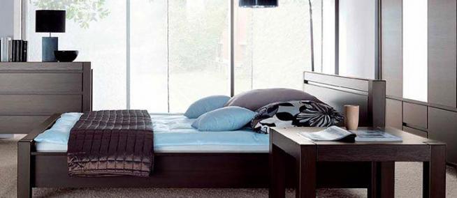 Какая прикроватная мебель пригодится в спальне